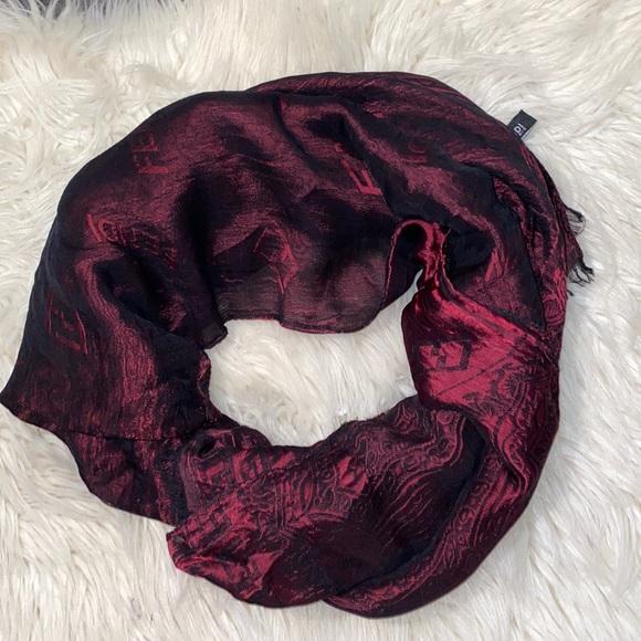 🌺Fendi Silk scarf